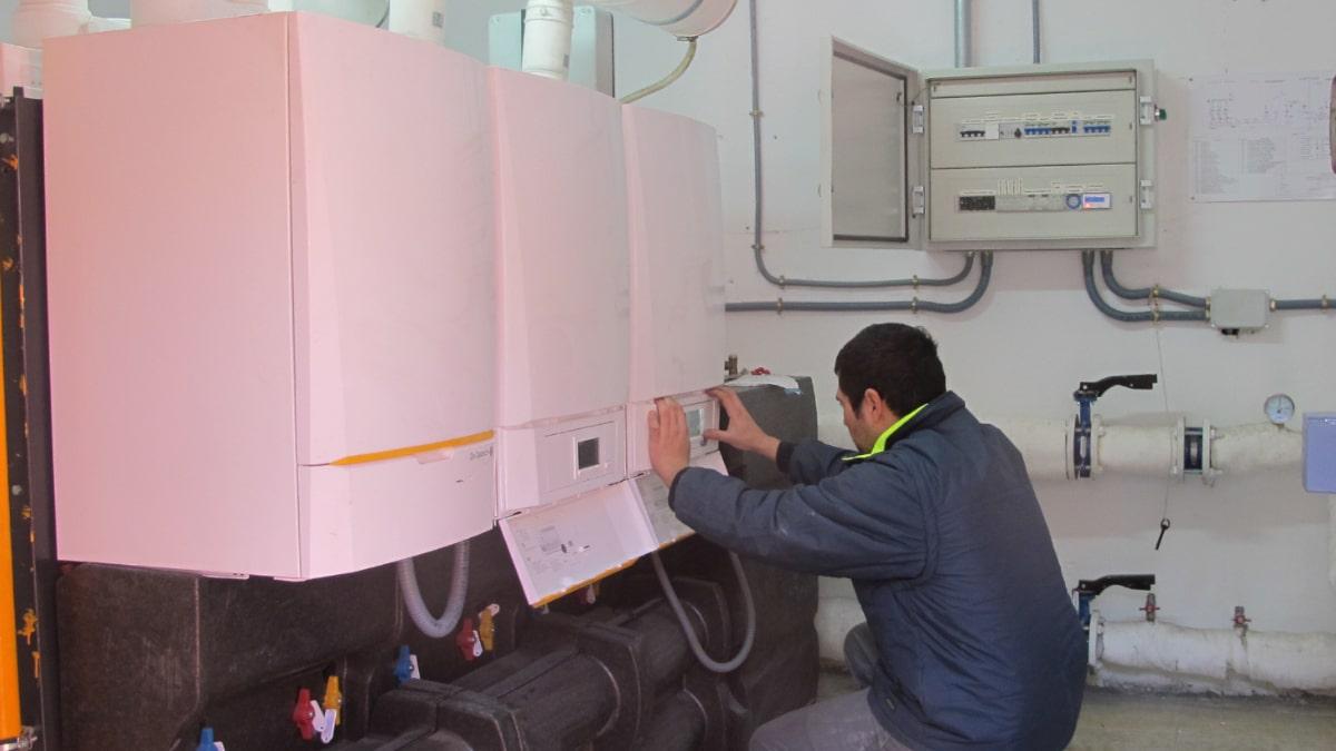 Cómo instalar una caldera de gas mixta