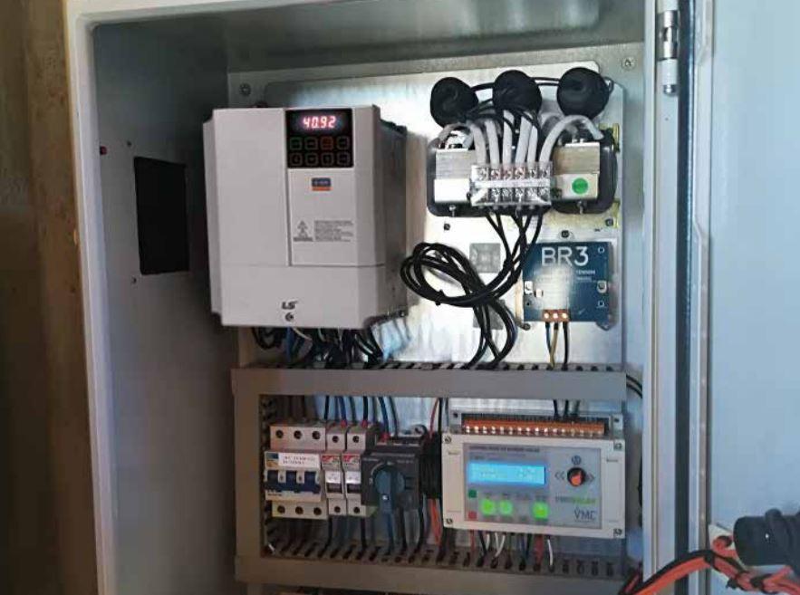 Cuadro control instalación bombeo solar con variador de frecuencia S100